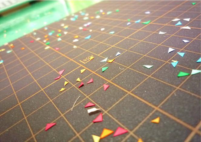 舞い散る紙片