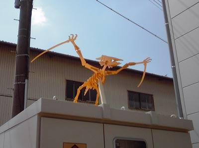 2009.09.頭の上にも恐竜オブジェ