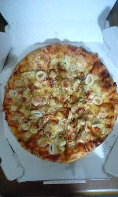 シーフードピザ丸ごと