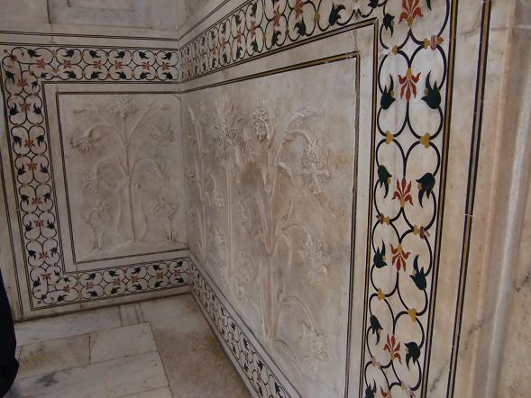 7 ドームの壁面・彫刻