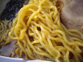 彩未 醤油らーめん(麺)