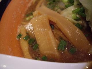 麺や虎鉄 豚そば醤油(メンマ)