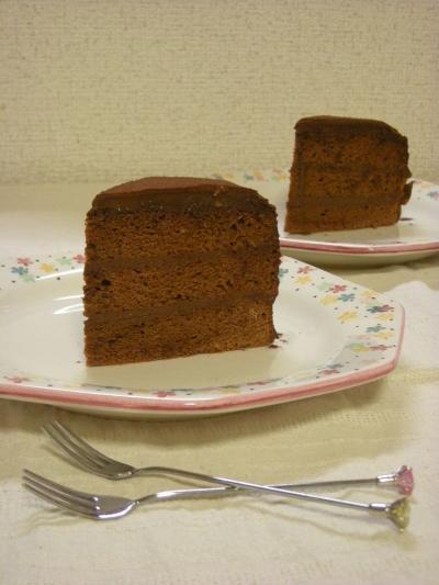 誕生日のチョコケーキ・断面2_convert_20090507190736