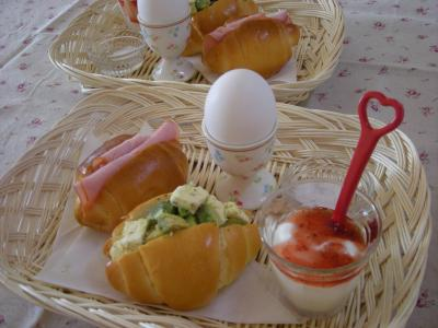 バターロールで朝ごはん2_convert_20090706135052