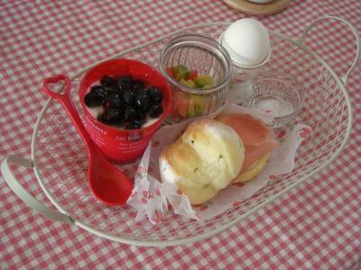 バジルパンで朝ごはん3_convert_20090820115233