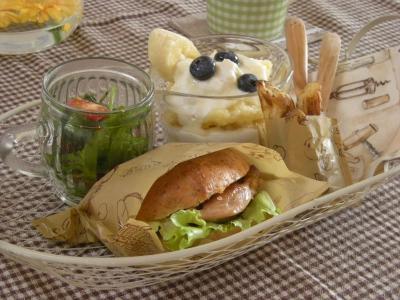 ベーグルチキンバーガーで朝ごはん2_convert_20090904133637