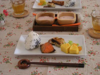 鮭弁当の残り朝ごはん3_convert_20090914110304