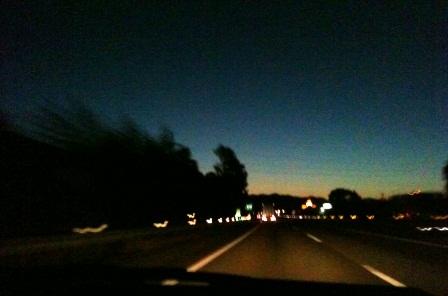 20111211-01夜明けの高速