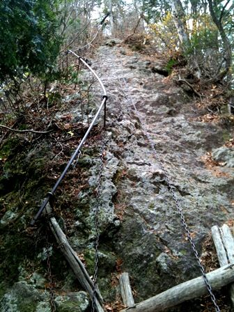 20111216-09岩と鎖