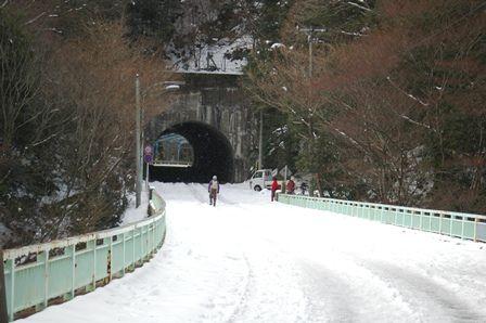 20120109-03トンネル