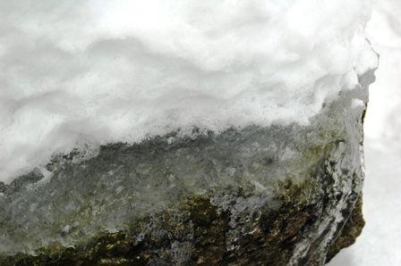 20120109-12雪氷岩3層