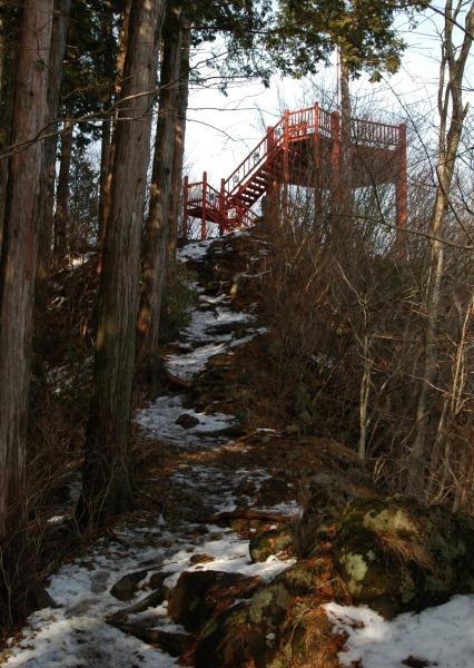 20120122-32山頂やぐら