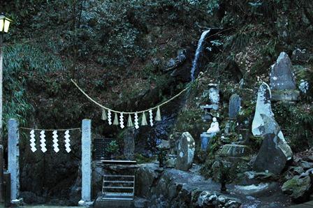 20120211-34びわ滝