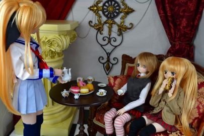 テーブルとティーセット3
