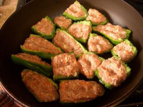 肉詰め調理