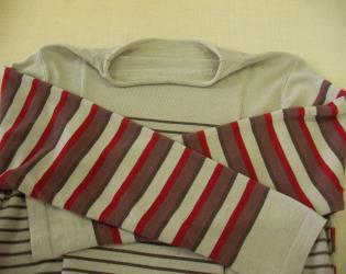 色セーター3