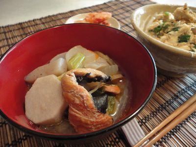 鮭入り粕汁と鮭丼