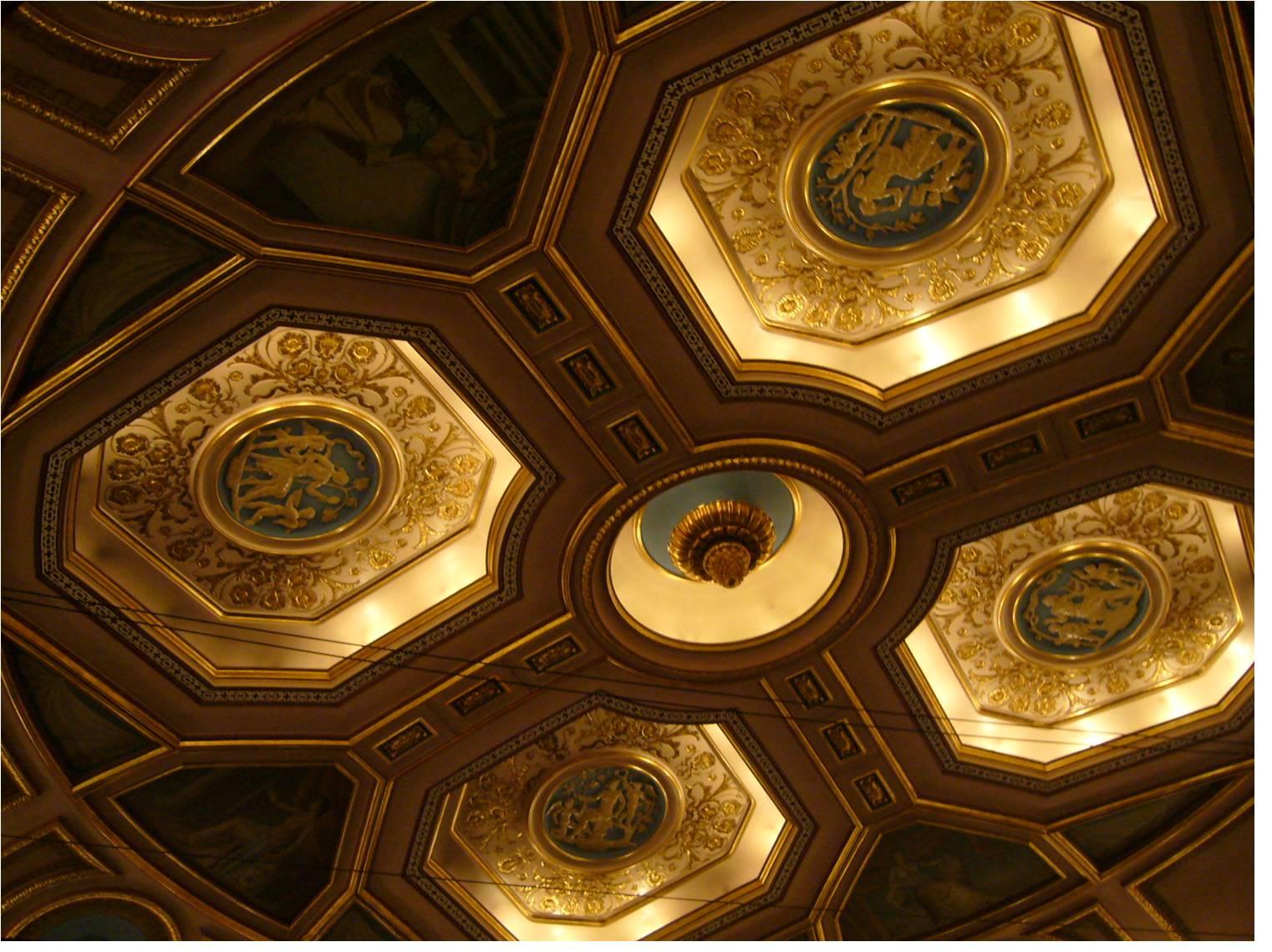 B 劇場の天井