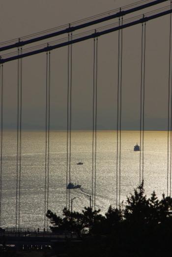 瀬戸大橋 光の海
