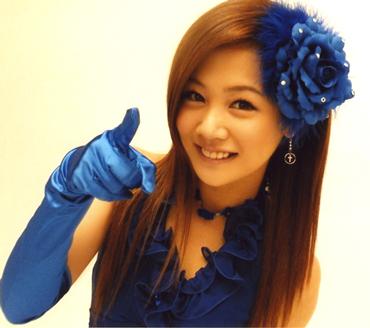 新垣里沙 青いドレス