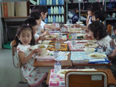 2009.7 給食試食会①