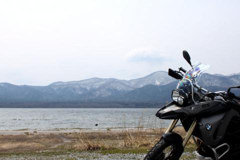 恐山ほとりの湖