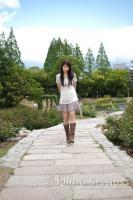 公園を歩くERIKAちゃん