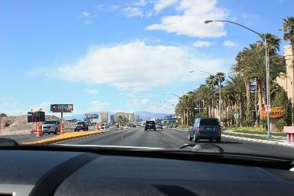 ベガス空港から街へ