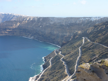 サントリーニの崖