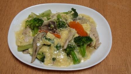 ブロッコリーとささ身とマイタケの中華炒めあんかけ風