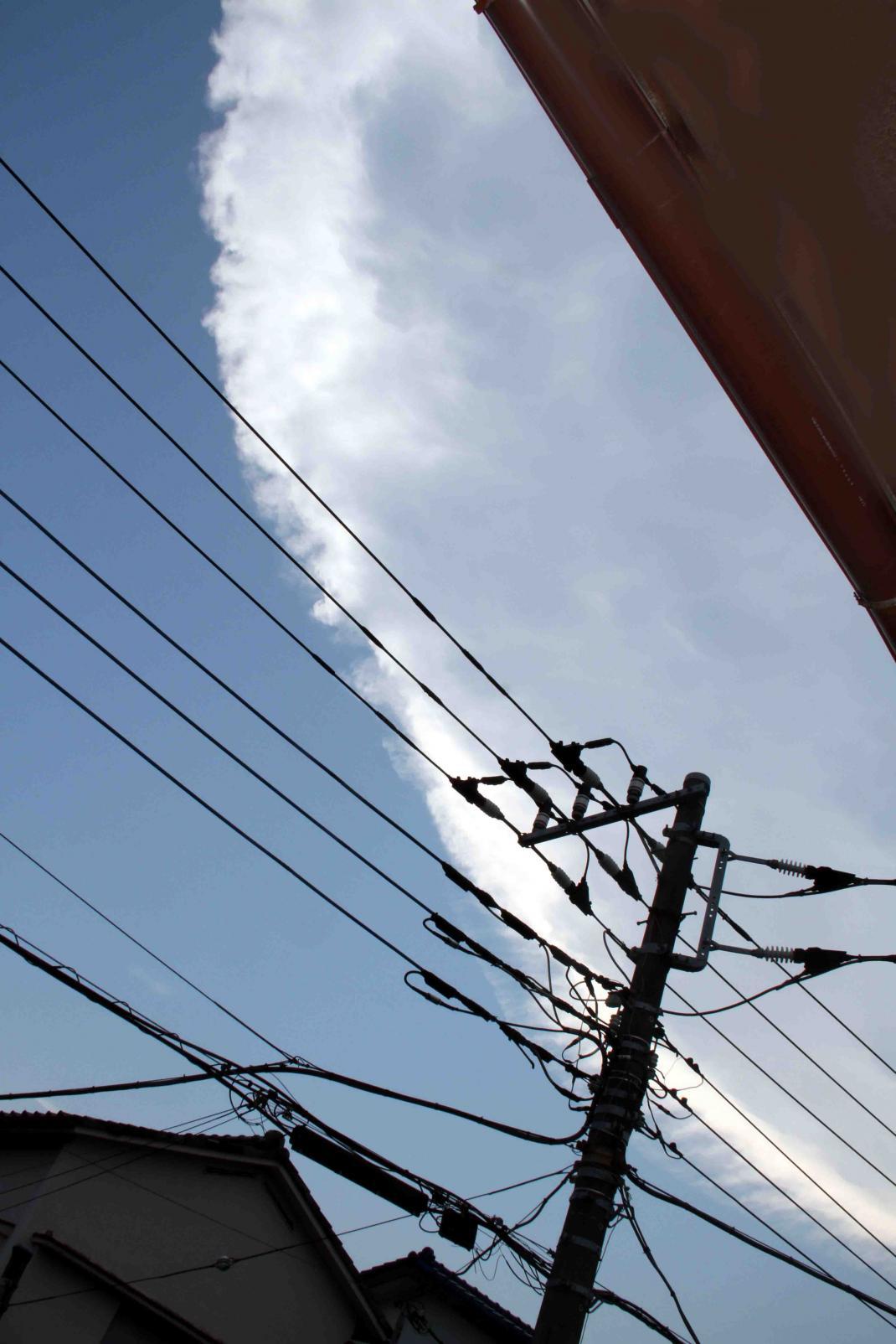①カナトコ雲 11日14時24分