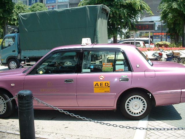 AED搭載タクシー