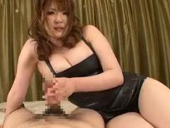 爆乳ムッチリ仁科百華の拘束M男チンポ虐め