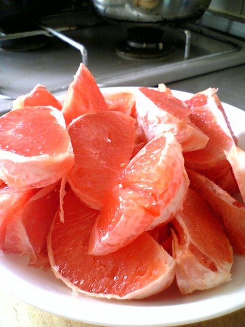 カットピンクグレープフルーツ