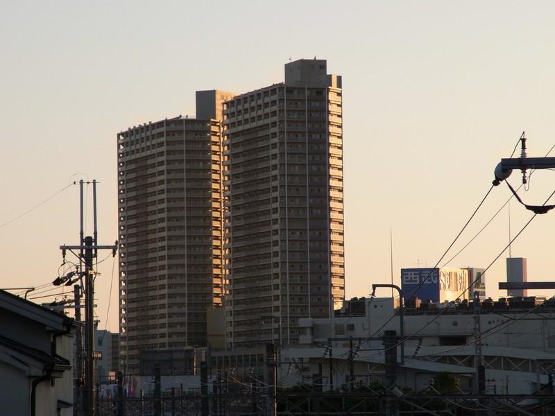 近所のマンション