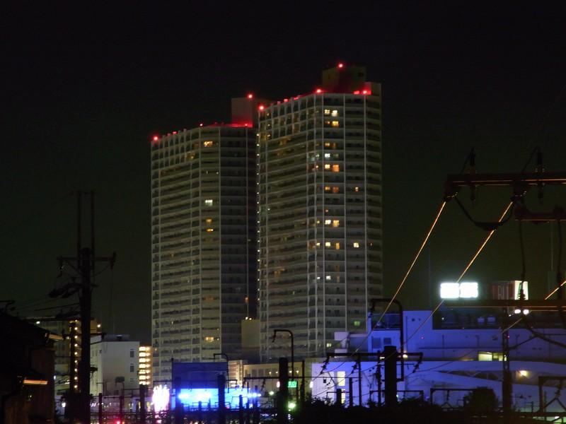 近所のマンション(夜景)