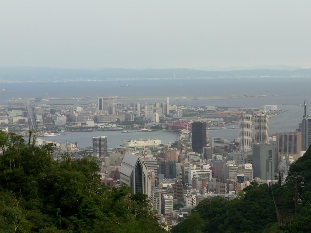 新神戸方面を望む。