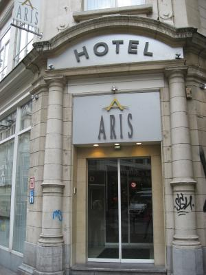 Aris Grand Place Hotel