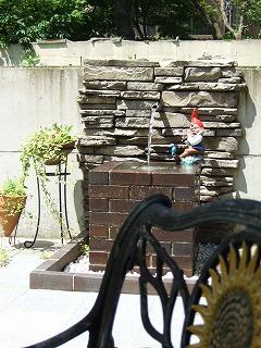 お庭の壁泉