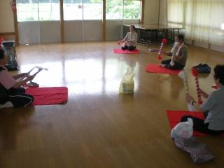 銭太鼓の練習