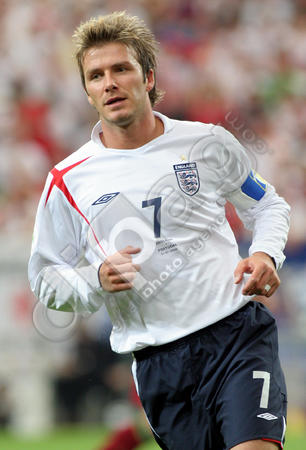 Englands-David-Beckham-in-action-0000008581.jpg