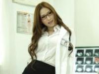 女医師の佐山先生は、今日も全裸白衣で股をおっぴろげ患者を誘惑する 佐山愛 userporn