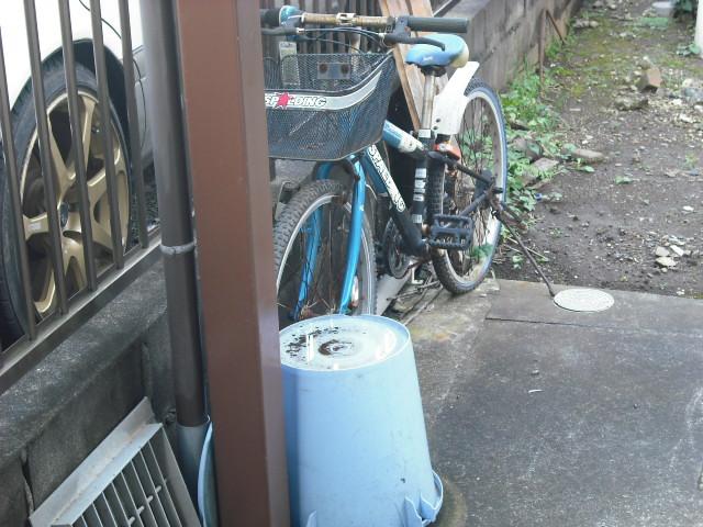 ポリバケツ・自転車