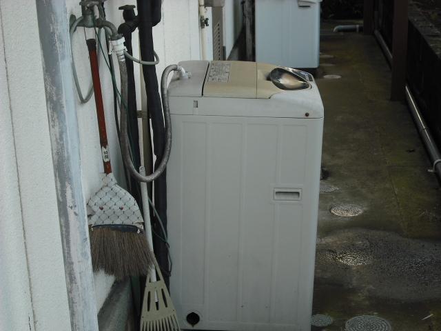 外の洗濯機
