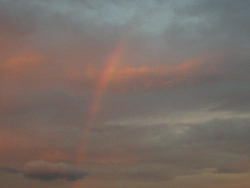 夕焼けに虹