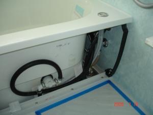 浴槽の中の配管