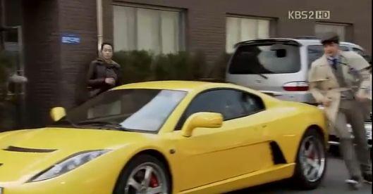 Lビーンはフィアット ランボルギーニの自家用車で現場へ急ぐトンジンチーム